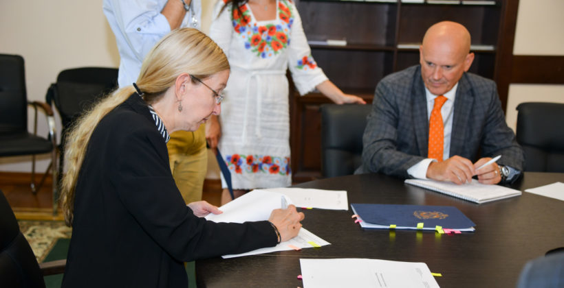 Photo of Bryan Richmond and Minister of Healthcare Ulana Suprun